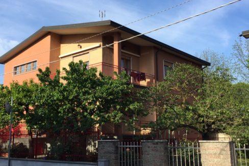 Appartamento in villa bifamiliare SENAGO