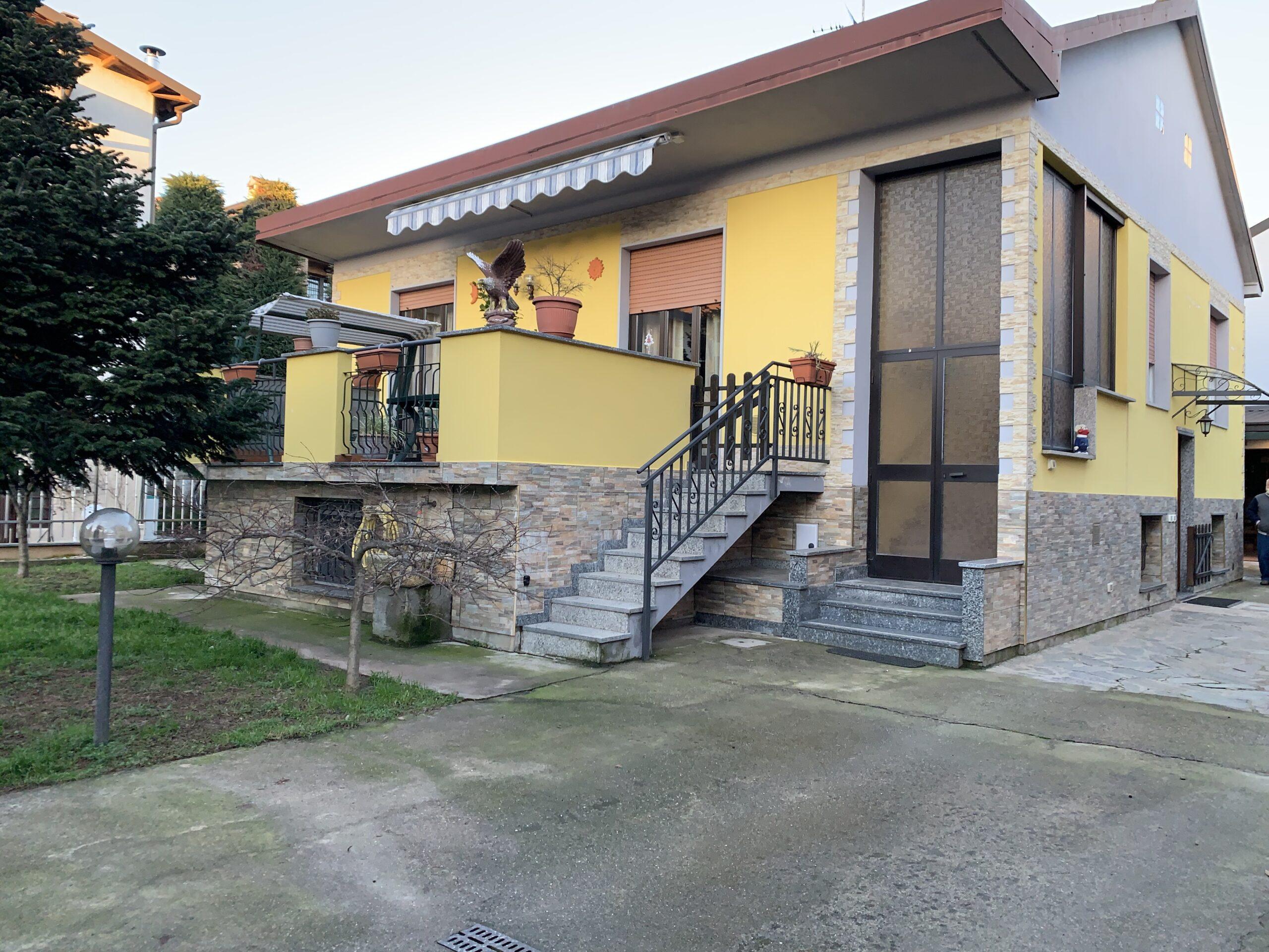 Garbagnate Milanese  : Villa Singola